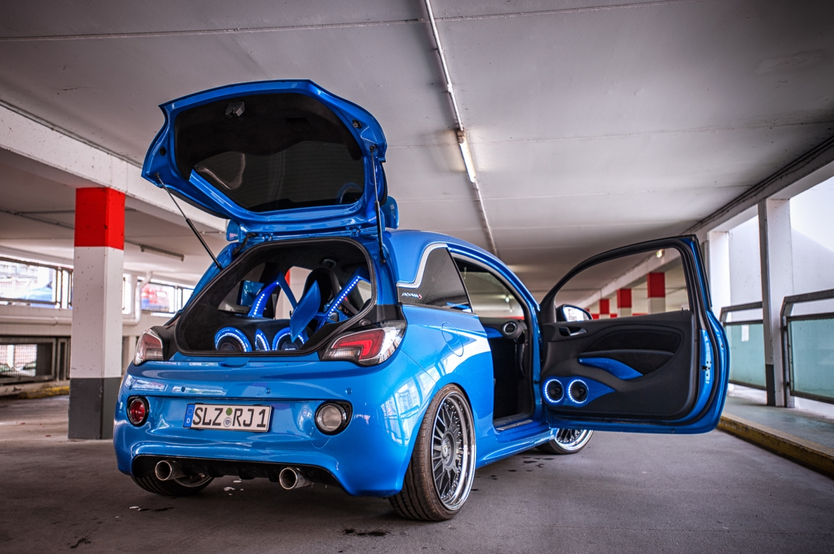 opel adam s johnny blue blendwerk fotografie. Black Bedroom Furniture Sets. Home Design Ideas